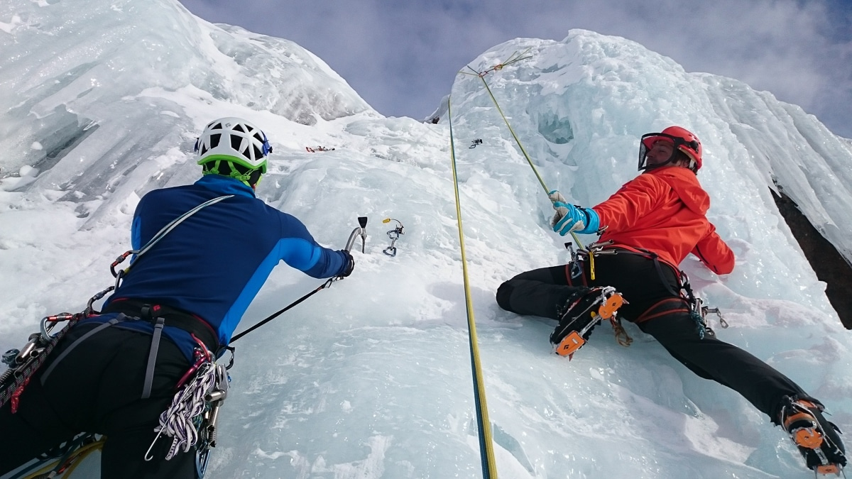 extrémní sporty - lezení na ledu