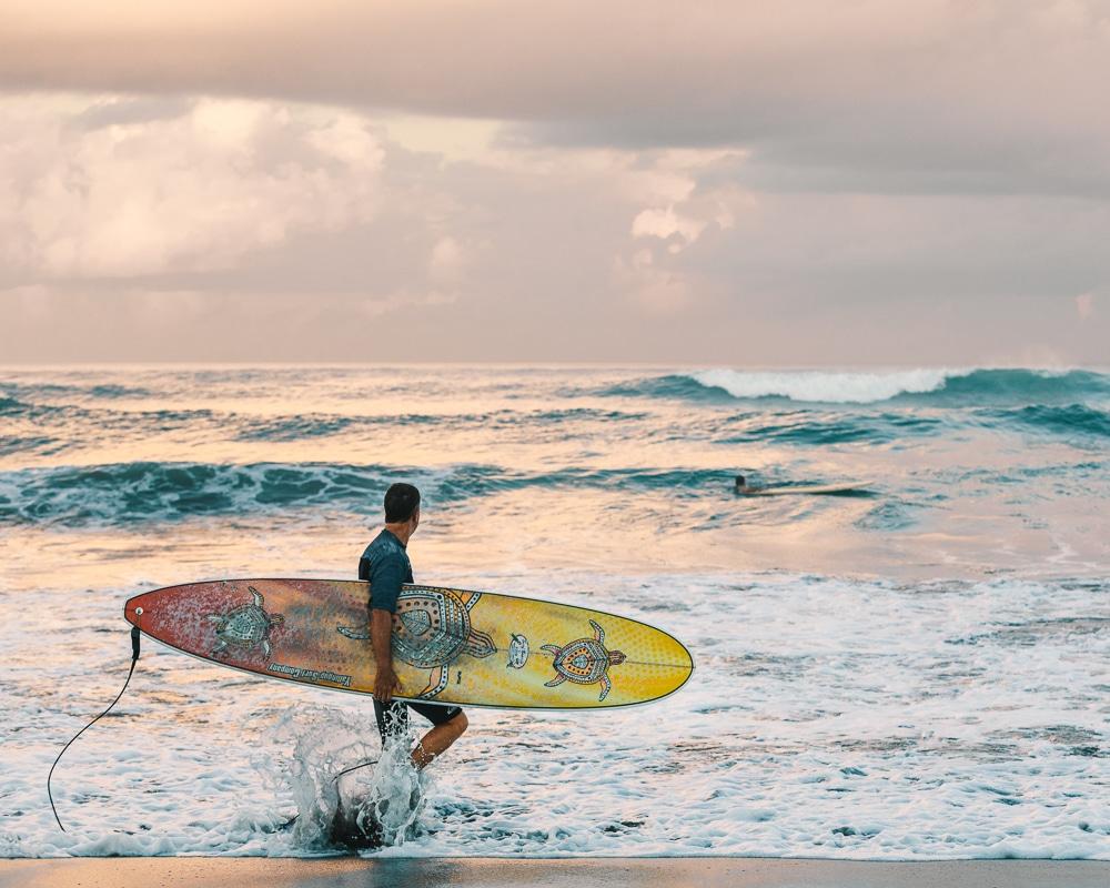 surfovat do tepla