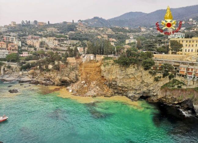Itálie: Část hřbitova v Camogli se po sesuvu půdy zřítila do moře