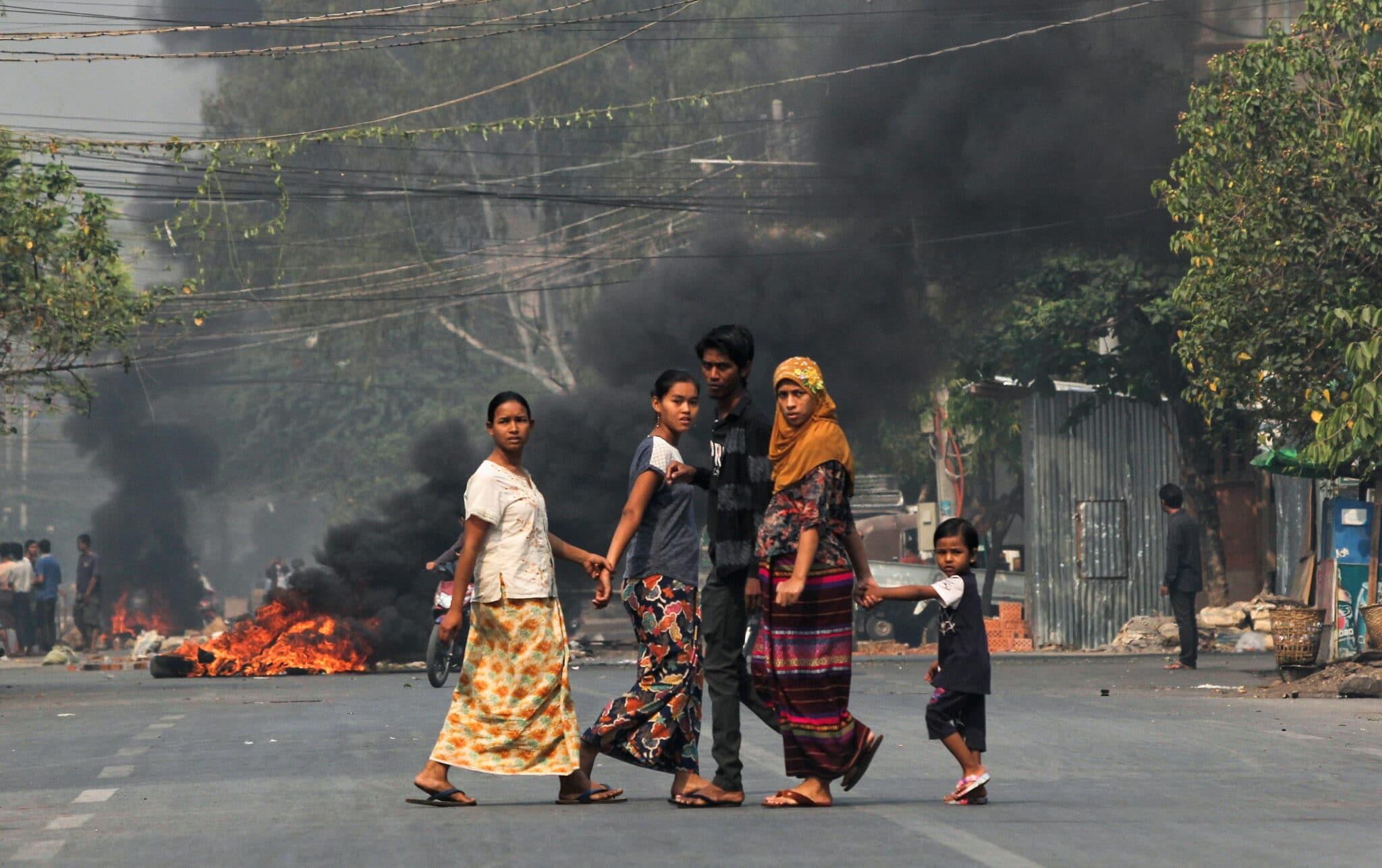 Protesty v Mandalay v Myanmaru
