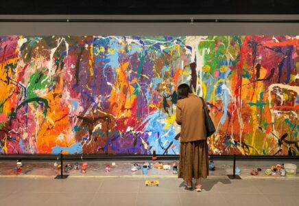 Pár poškodil graffiti umělce JonOne v galerii v Soulu