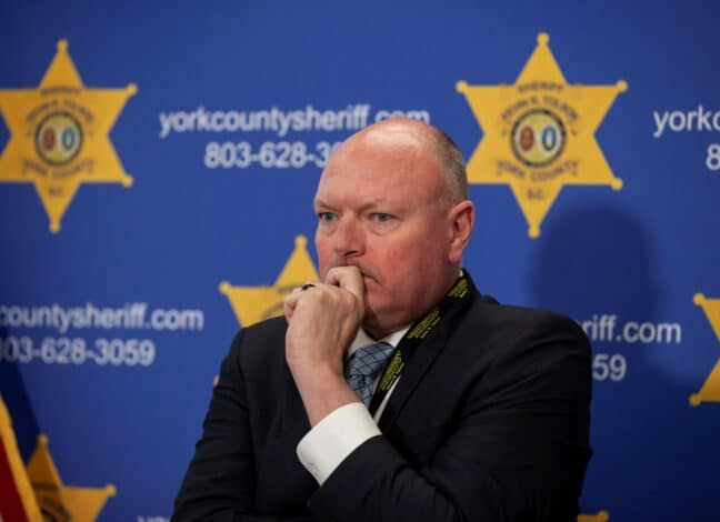 Šerif Kevin Tolson komentuje masovou vraždu v Jižní Karolíně