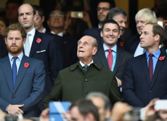 Princové Harry a William vzdali hold zesnulému princi Philipovi