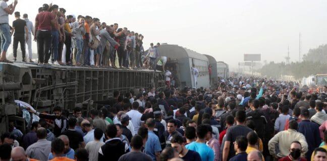 V Egyptě vykolejil vlak