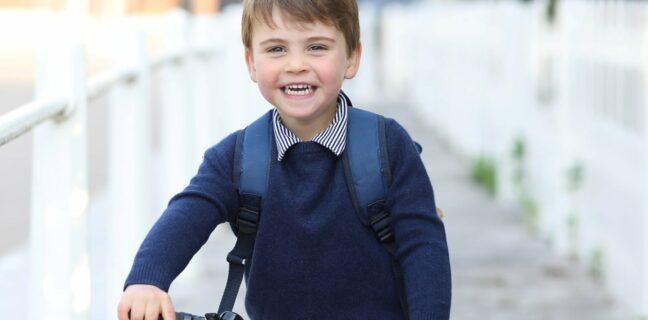 Princ Louis na cestě do školky