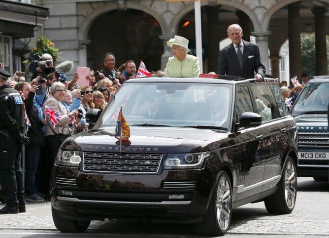 Britská královna a princ Philip.