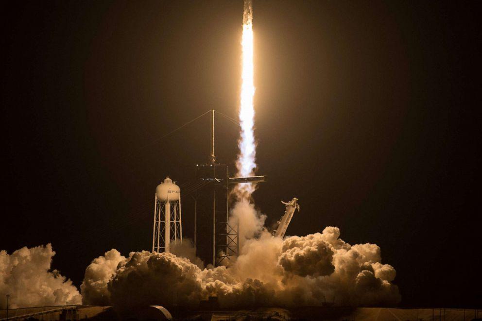Start rakety Falcon 9. Foto: NASA