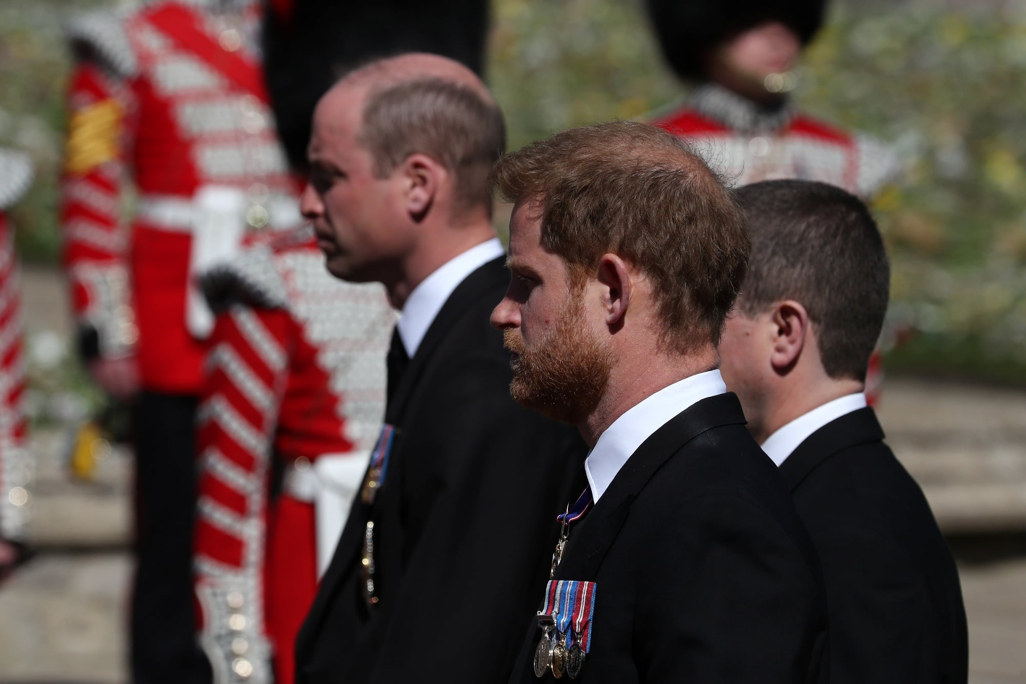 Princ Harry a princ William na pohřbu prince Philipa