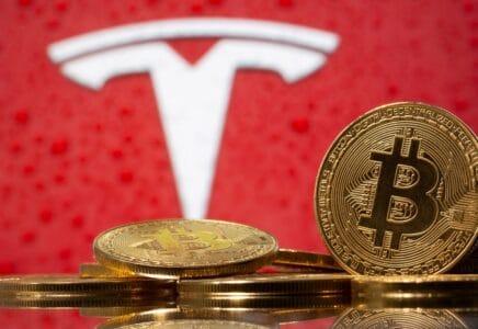 Tesla a bitcoiny