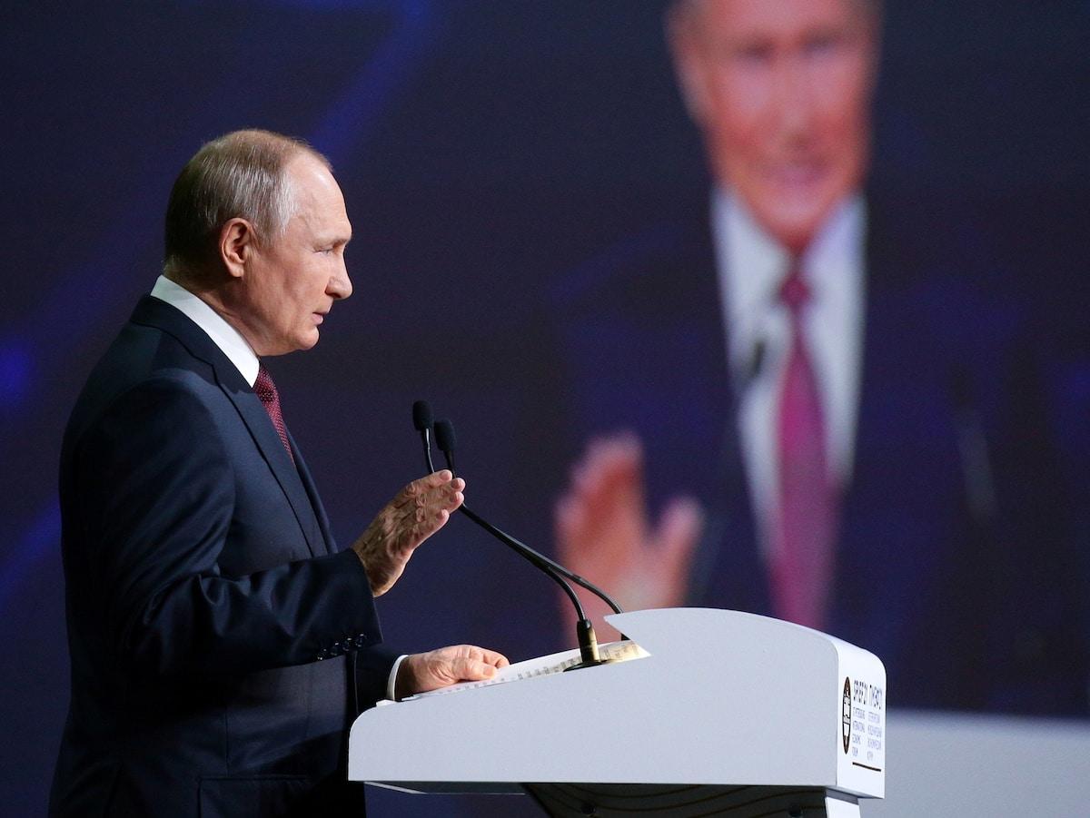 Vladimir Putin na zasedání Petrohradského mezinárodního ekonomického fóra. Foto: Reuters