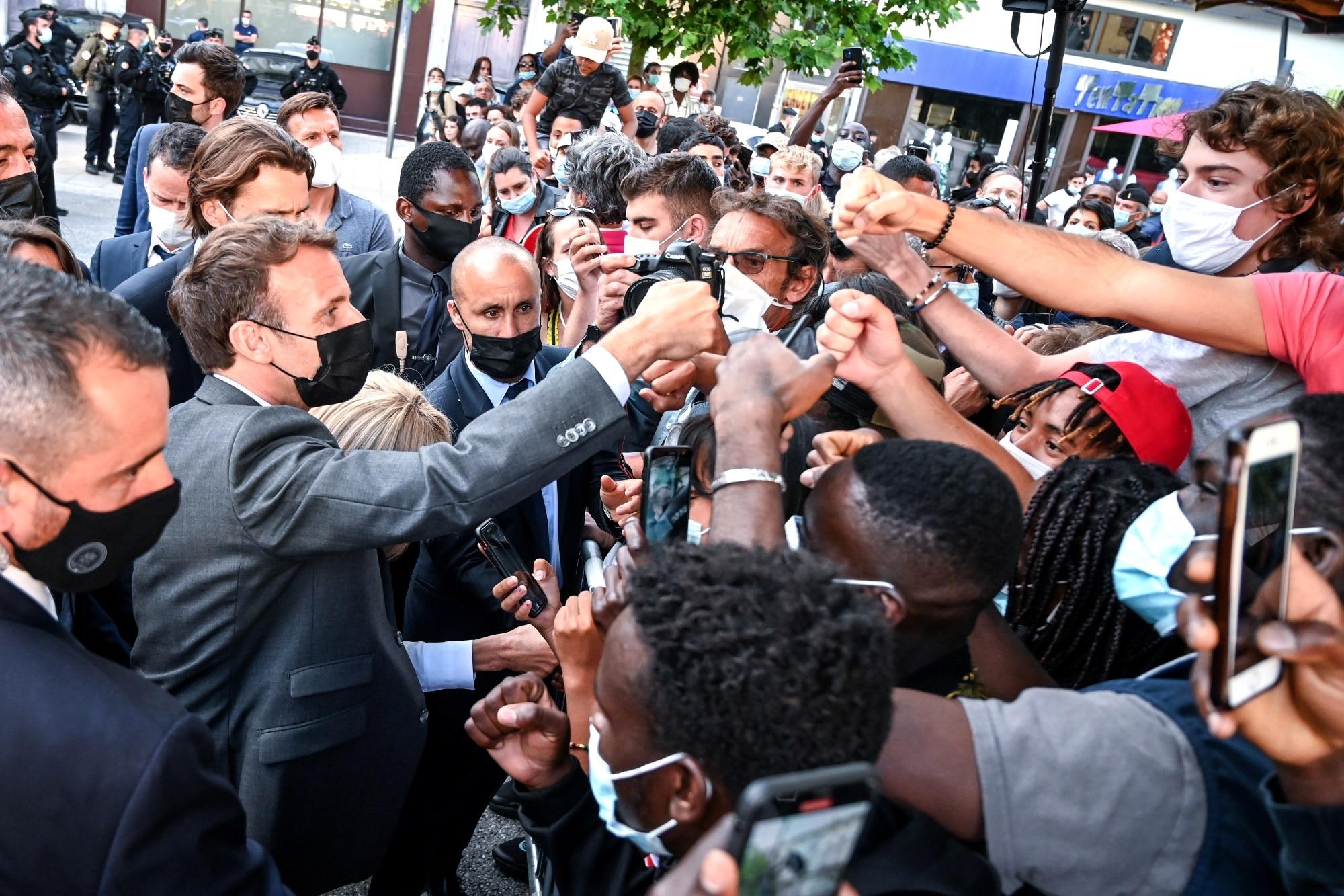 Francouzský prezident se interakce nebojí