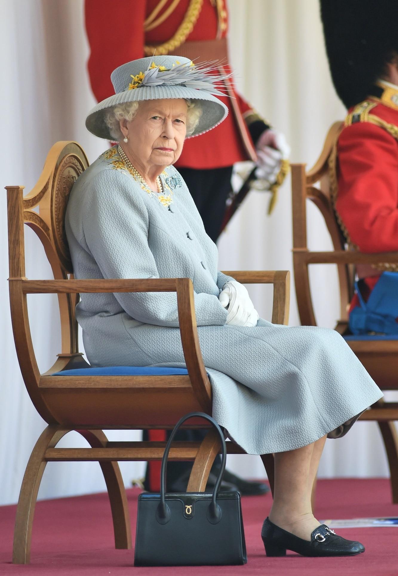 Královna Alžběta oslavila 95. narozeniny
