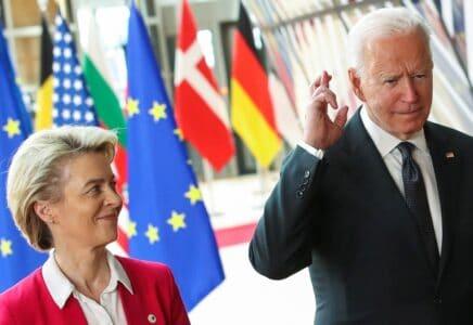 Lídři USA a Evropské unie na summitu v Bruselu