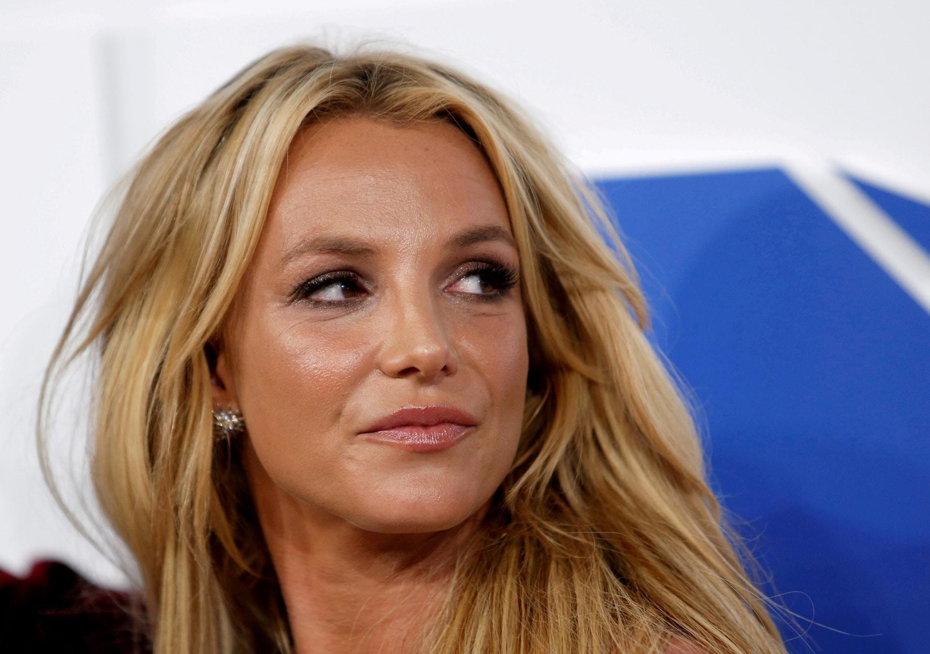 Britney Spears vystoupila požádala o zrušení opatrovnictví
