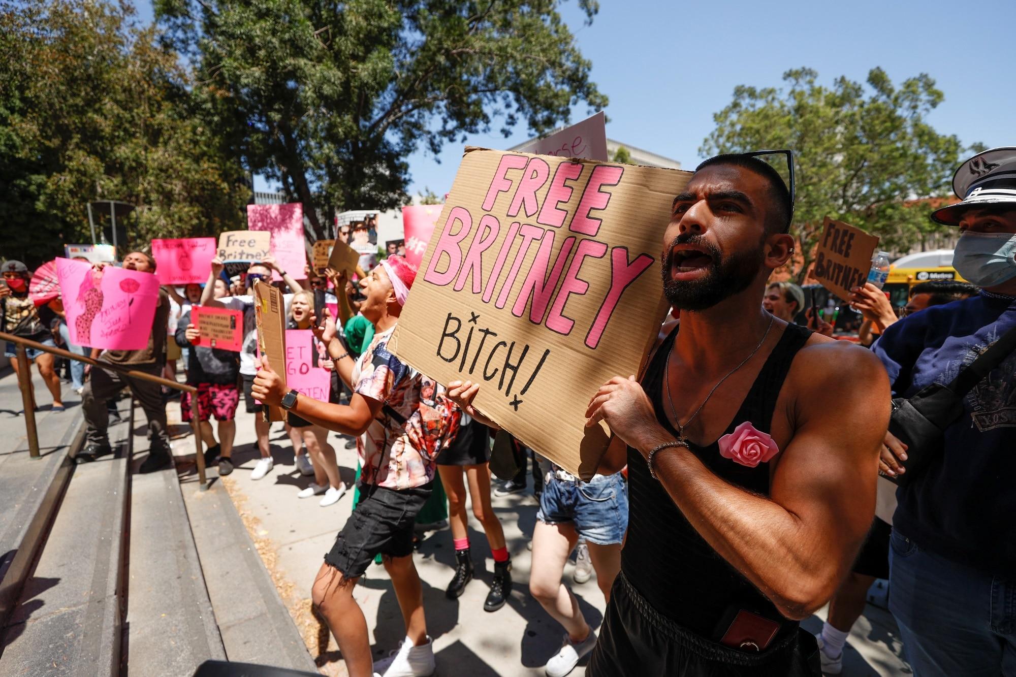 Lidé vyjádřili podporu zpěvačce Britney Spears
