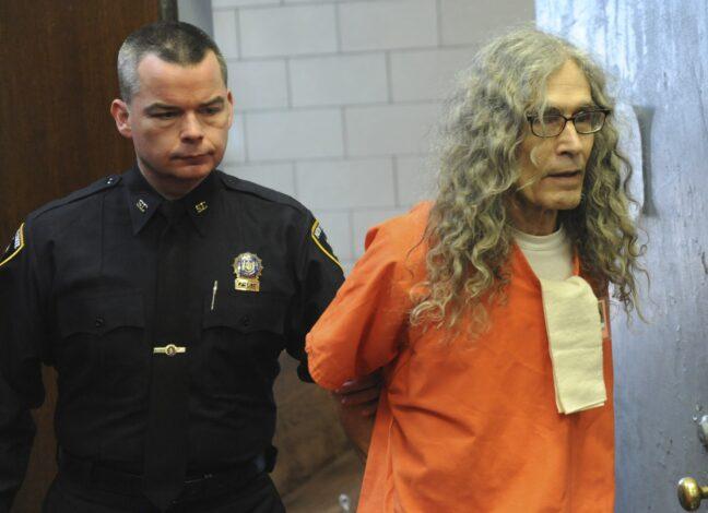 Sériový vrah Rodney Alcala zemřel z přirozených příčin