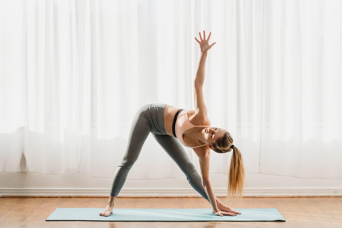Základní jógové pozice