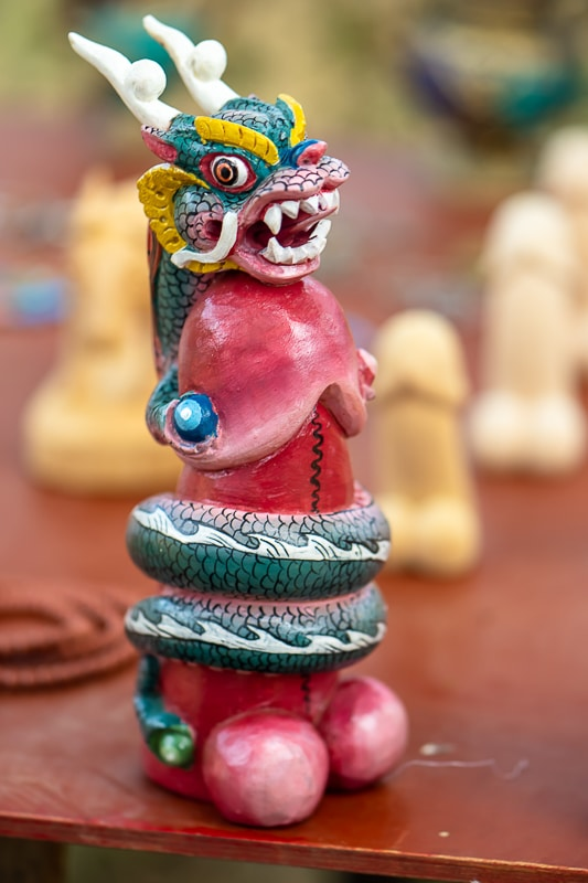 proč začal Bhútán uctívat falus