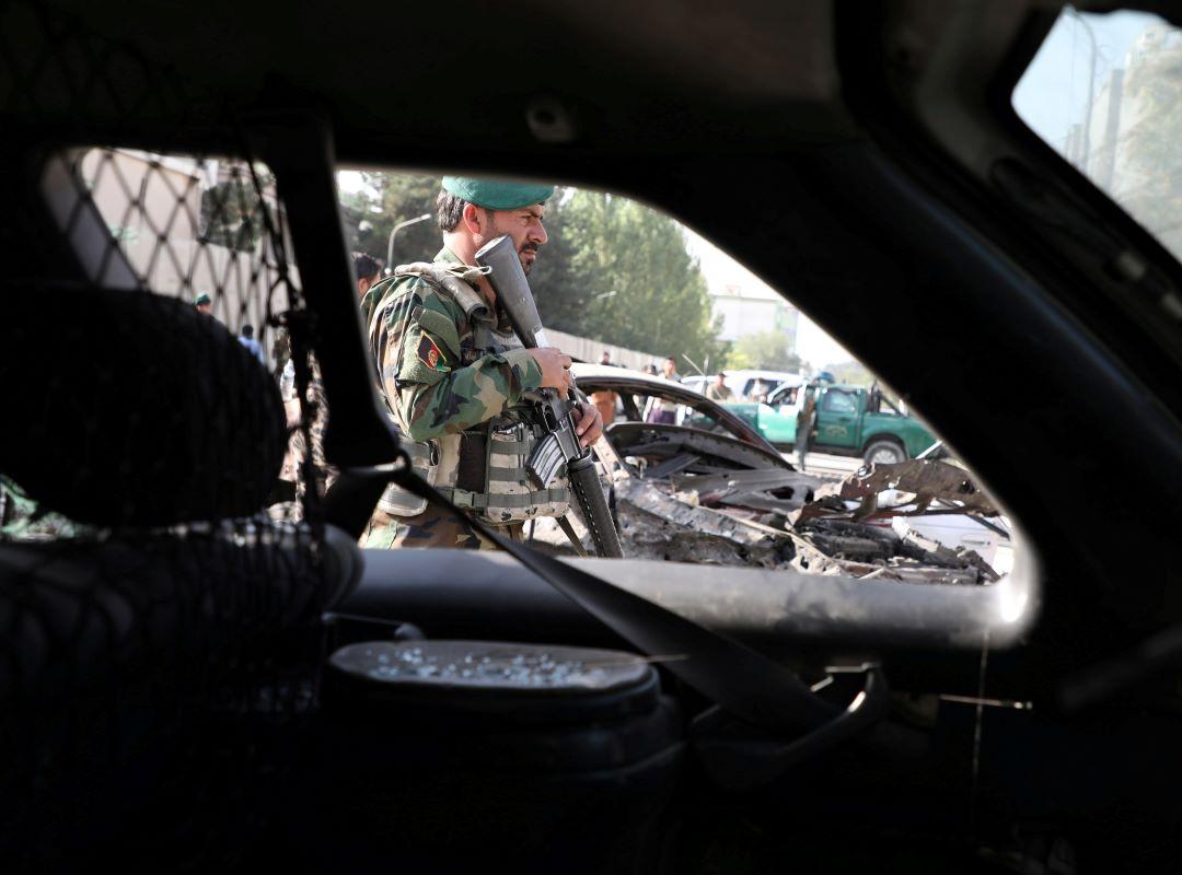 útok na dům afgánského ministra obrany Tálibán