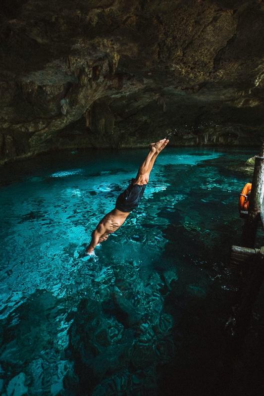 jeskyně zaplavat a potápět