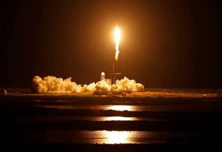 SpaceX vypustila první zcela turistickou raketu na oběžnou dráhu
