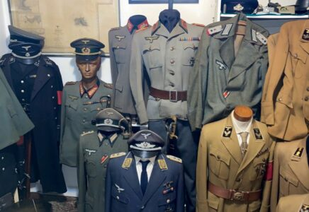 8000 nacistických artefaktů pedofil