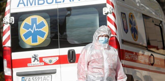 Ukrajina hlásí rekordní počet obětí covidu-19